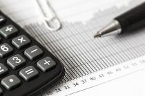 数据窥现状:中外资再保险公司表现分化,中再年中净利润缩2成